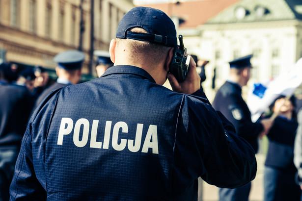 Poseł Michał Szczerba zwracał uwagę, że policjanci powinni korzystać z możliwości odmawiania wykonywania rozkazów niezgodnych z prawem.