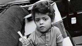 Idol nastolatek pokazał zdjęcie z dzieciństwa. Poznajecie go?