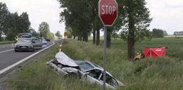 Tragiczny wypadek pod Łowiczem. Nie żyje starsze małżeństwo podróżujące matizem