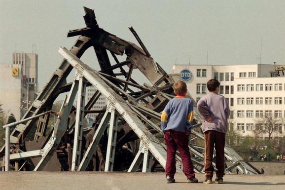 bombardovanje Novi Sad varadinski most 1 foto EPA Victor Vasenin