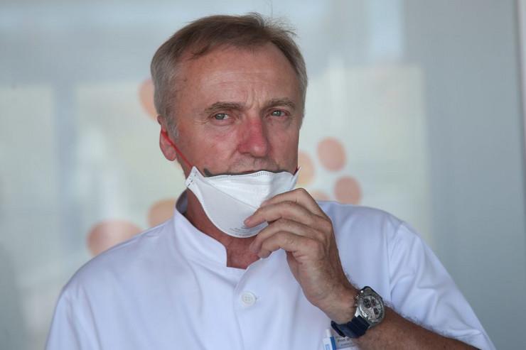 Mladen-Duronjić-nacelnik-klinike-za-plucne-bolesti-UKC-RS-01-foto-S-PASALIC