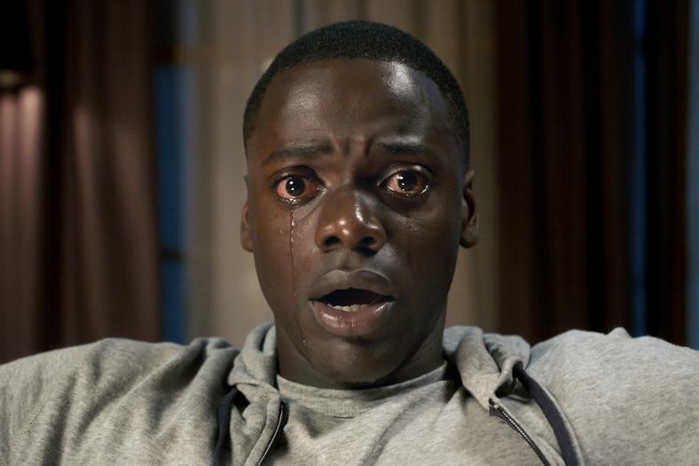 """Nominowany do Oscara Daniel Kaluuya w filmie """"Uciekaj!"""""""