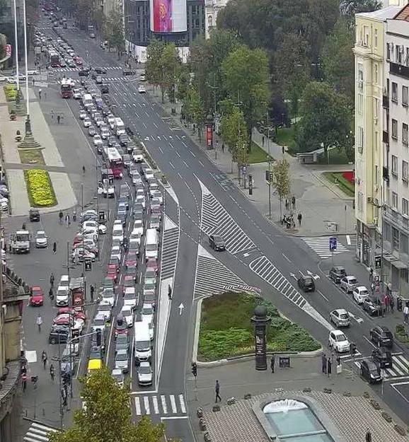 Nešto više vozila beleži se i na Trgu Nikole Pašića ka Terazijama