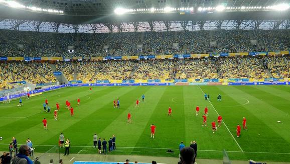 Fudbaleri Srbije na zagrevanju pred meč sa Ukrajinom u Lavovu