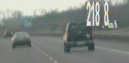 Pirat na autostradzie pędził 220 km/h!