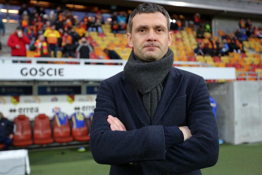 Choć Arka pod jego wodzą wygrała zaledwie trzy z dziewięciu spotkań, Aleksandar Rogić (39 l.) jest uważany za jednego z najlepszych fachowców w ekstraklasie