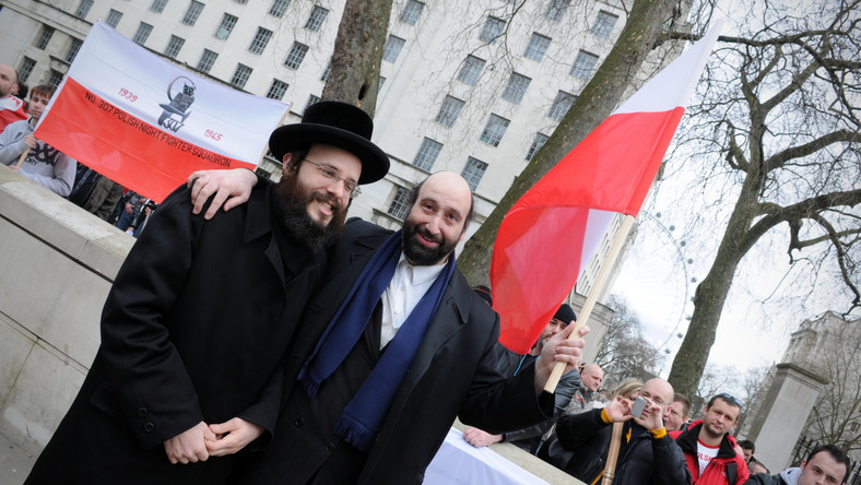 Demonstrujących Polaków wsparli również polscy Żydzi mieszkający na Wyspach Brytyjskich