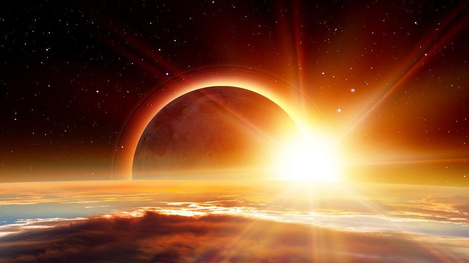 Zaćmienie słońca: Jak je oglądać w Polsce? O której start?