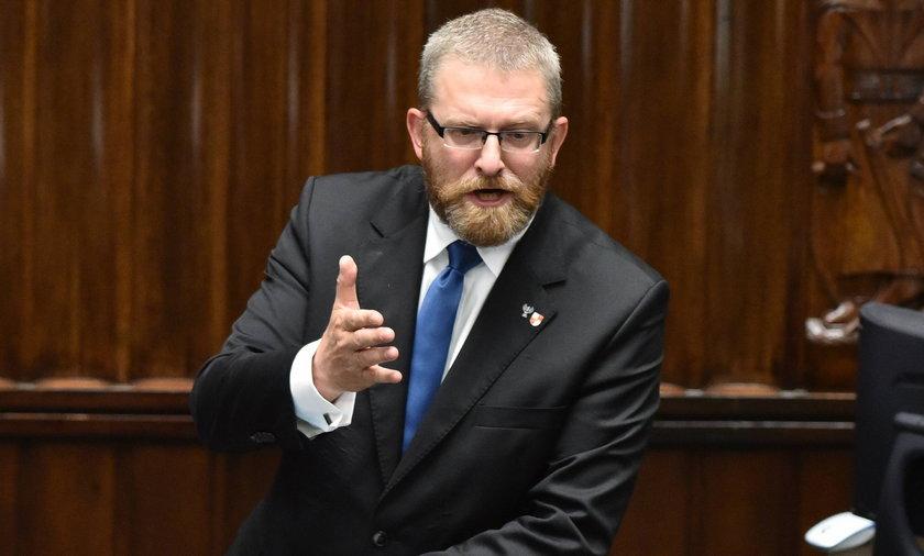 Poseł Konfederacji Grzegorz Braun został wykluczony z obrad Sejmu.