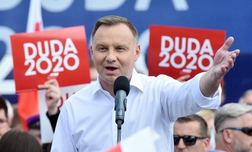 Prezydent Andrzej Duda dużo Polakom obiecał, teraz ma 5 lat czasu, by te obietnice zrealizować