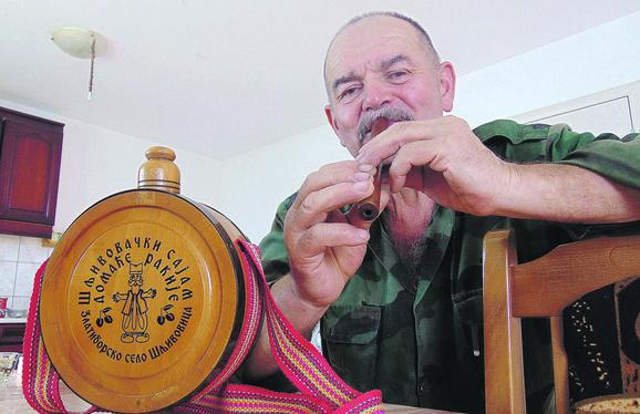 Antonije Bondžulić, vozač u penziji, kaže da ne okuša alkohol