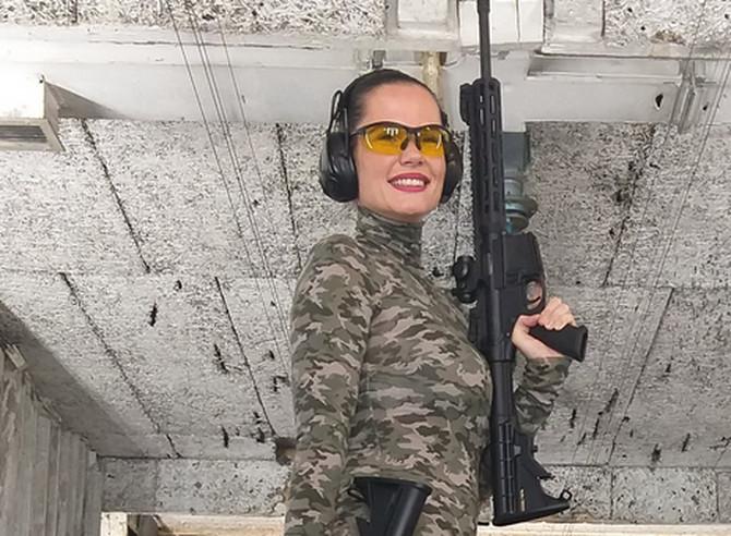 Jedna od malobrojnih žena u svetu streljaštva