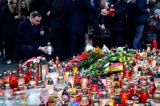 Duda po zamachach w Paryżu: Nie ma niebezpieczeństwa dla Polski, spotkam się z kierownictwem ABW
