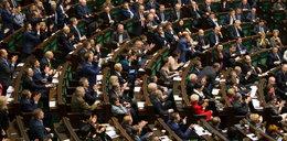 W Sejmie zawrzało – fatalne diety polityków!