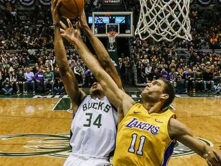 Los Angeles Lakers at Milwaukee Bucks