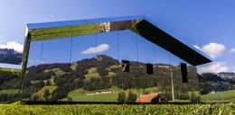 Niezwykły lustrzany dom w Szwajcarii! Zobacz ZDJĘCIA