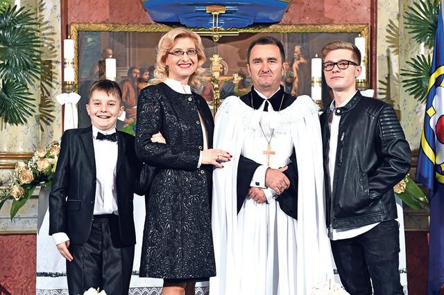 SEAVC u Srbiji je članica velike porodice luteranskih crkava. Članica je Svetskog luteranskog saveza, koji je osnovan 1947. godine i predstavlja globalno zajedništvo 142 crkve luteranske tradicije, i zastupa više od 72,2 miliona hrišćana u 79 zemalja