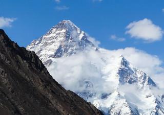 Namioty pod K2 przysypane śniegiem. Polscy himalaiści nie pójdą w górę
