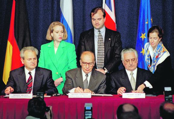 Mir: Milošević, Izetbegović i Tuđman