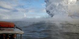 Kula gorącej lawy spadła na statek z turystami. 23 osoby ranne