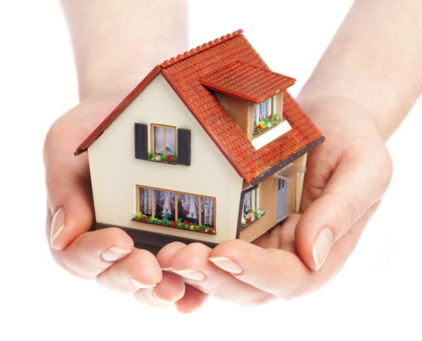 Ustanawiając hipotekę dla nieruchomości, trzeba zapłacić podatek PCC. Wysokość podatku zależy od zabezpieczonej wierzytelności i jej wysokości