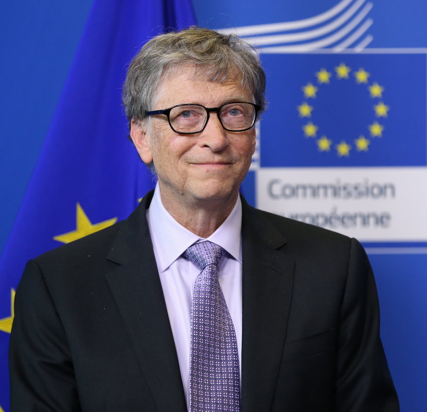Bill Gates zajmuje 4. miejsce wśród najbogatszych mieszkańców Ziemi z majątkiem wartym około 122 miliardów dolarów.