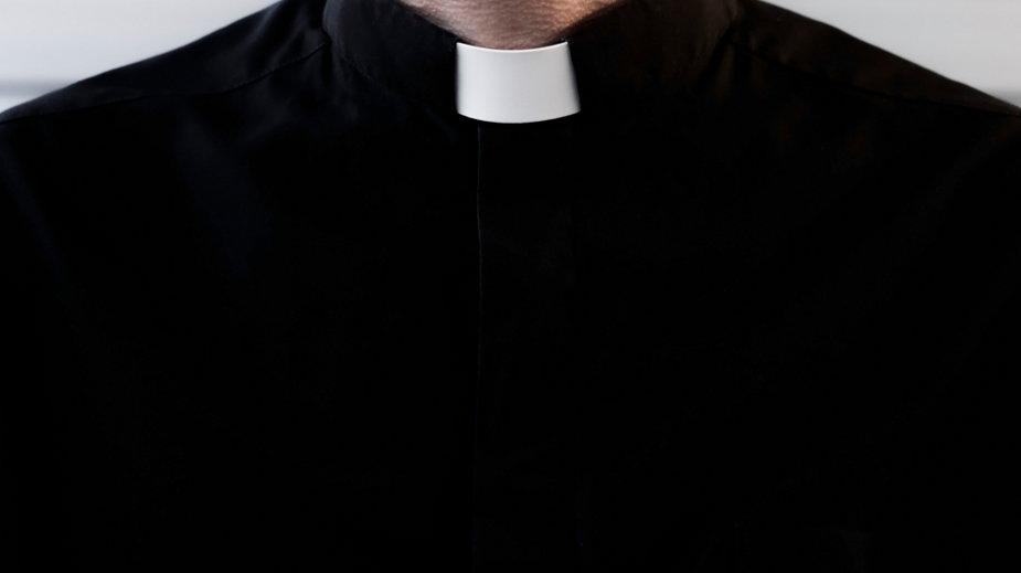 Ksiądz został oskarżony przez prokuraturę o znęcanie się nad dziećmi