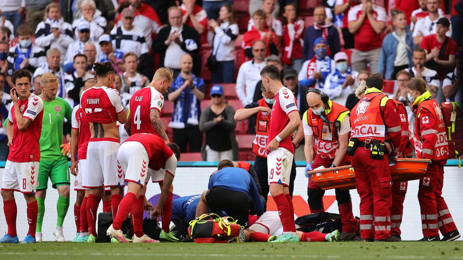 Mecz Dania - Finlandia. Lekarze walczący o życie Christiana Eriksena na stadionie w Kopenhadze