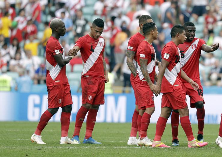 Fudbalska reprezentacija Australije, Fudbalska reprezentacija Perua
