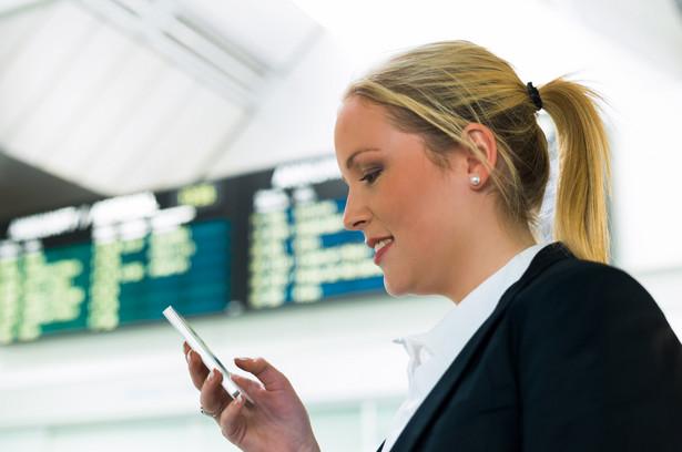 telefon, lotnisko, roaming
