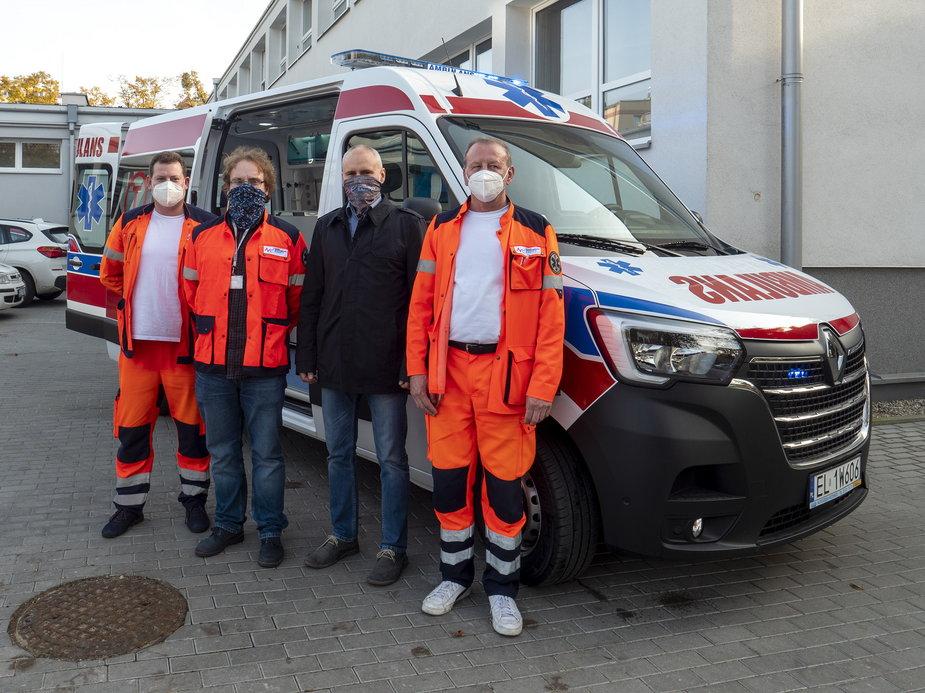 Nowy ambulans na Bałutach w Łodzi do przewozu pacjentów