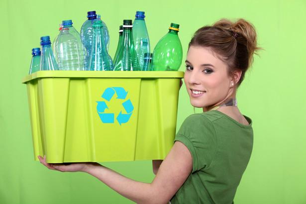 Pierwotnie rządowy projekt ustawy opakowaniowej nie przewidywał zmian w ustawie o utrzymaniu czystości.