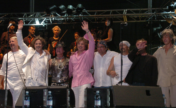 Grupa je dobila ime po pesmi