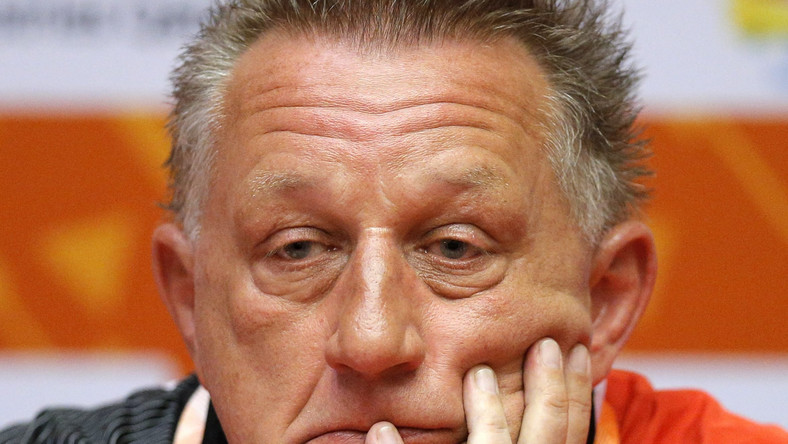 Biegler pracę z Polską reprezentacją rozpoczął 9 września 2012 roku. Na ty stanowisku zastąpił Bogdana Wentę.