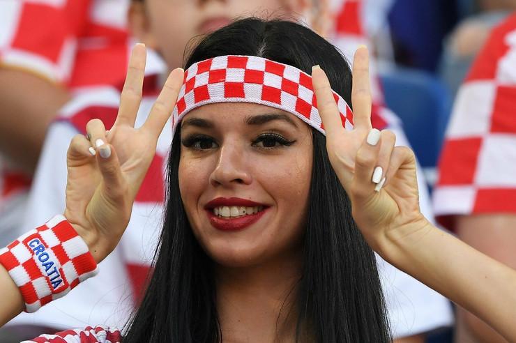 Seksi navijačica iz Hrvatske o kojoj svi pričaju