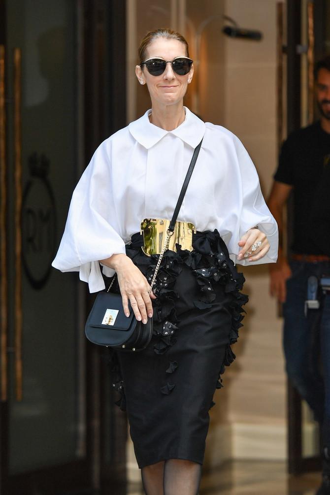 Bela košulja - kraljica ormara