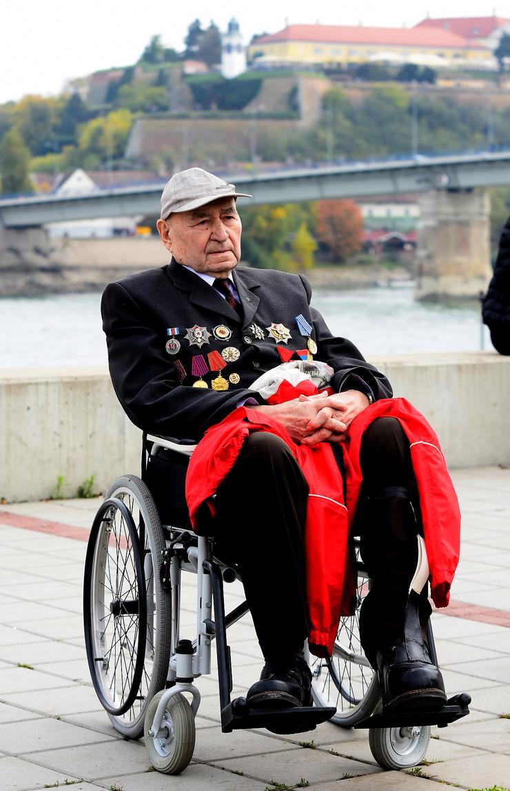 Novi Sad144 vojna parada foto Nenad Mihajlovic