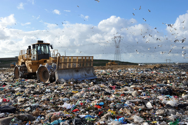 Rewolucja w gospodarce odpadami: Plazma zamieni śmieci w gaz przemysłowy