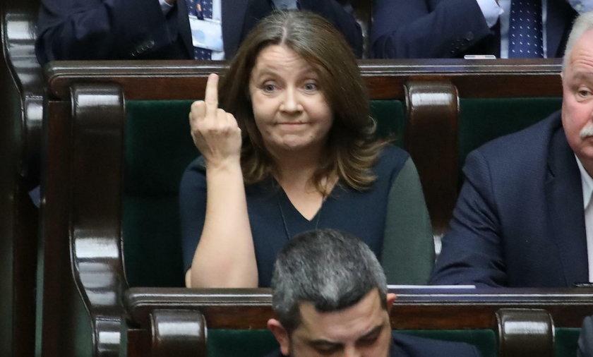 Wulgarny gest Lichockiej