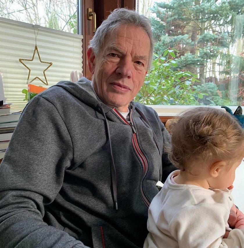 Dariusz Rosati z wnuczką