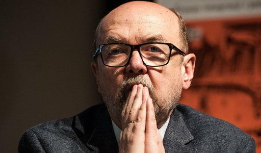"""Seksskandal w Brukseli. Ważny europoseł PiS mówi o drugim dnie afery i """"mrocznym Erosie"""""""