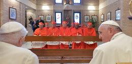 Papież emeryt spotkał się z Franciszkiem. Jaki jest stan Benedykta XVI?