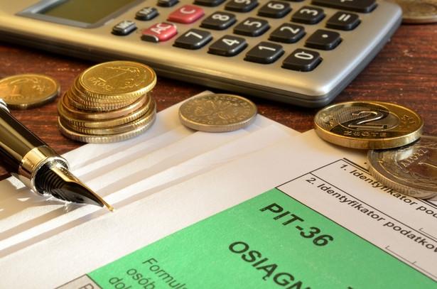 Ministerstwo dodało, że od zeszłego roku PIT może rozliczyć sam urząd skarbowy.