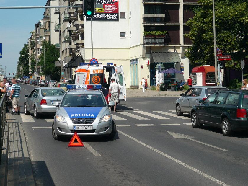 radiowóz na ulicy