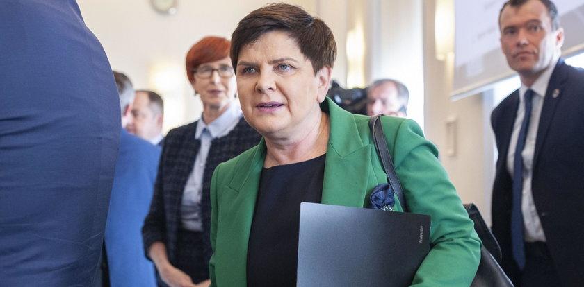 """Beata Szydło oburzona na Komisję Europejską. Mówi o """"ultimatum"""" dla Polski"""