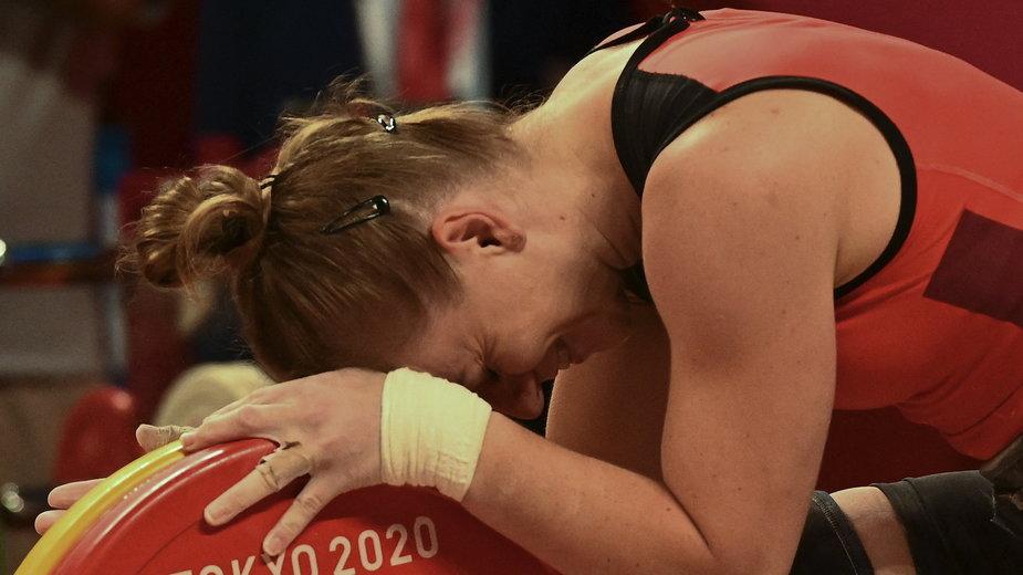 Joanna Łochowska przytuliła sztangę i zaczęła płakać. To była piękna kariera