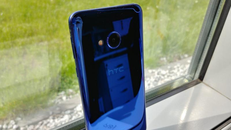 HTC U Play, smartfon bardzo urokliwy i wyjątkowo nieopłacalny [RZUT OKA]
