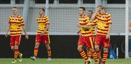 Piłkarze z ekstraklasy ukarani po kompromitacji
