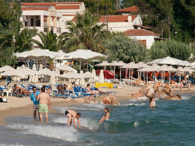 Da bi uštedeli mnogi iz Srbije na odmor ne kreću bez OVOG, a ni ne slute da nose zdravstvenu TEMPIRANU BOMBU