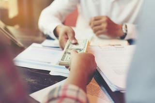 Umowa przedwstępna sprzedaży nieruchomości: Jak ją sporządzić, co zawrzeć? [PRZEWODNIK]